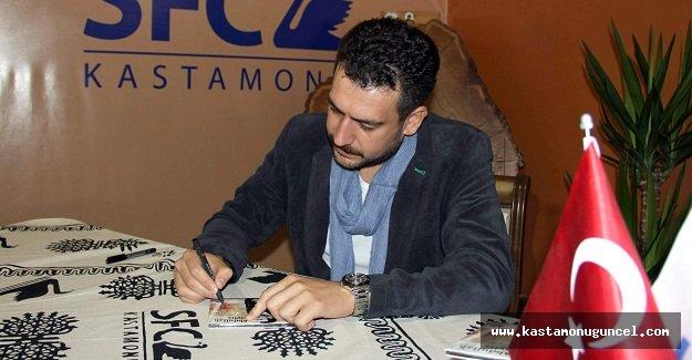 Sanatçı Abdullah Civliz, Albümünü İmzaladı