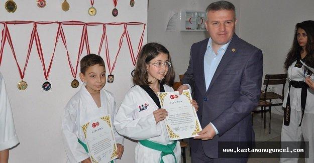 Taekwondo Akademi'de Sınav Heyecanı