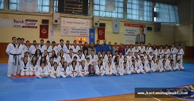 Taekwondoda Siyah Kuşak Sınavı Yapıldı