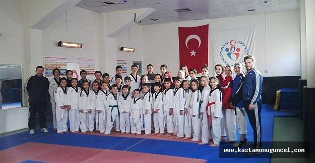 Kasem Taekwondo'da Sınav Heyecanı