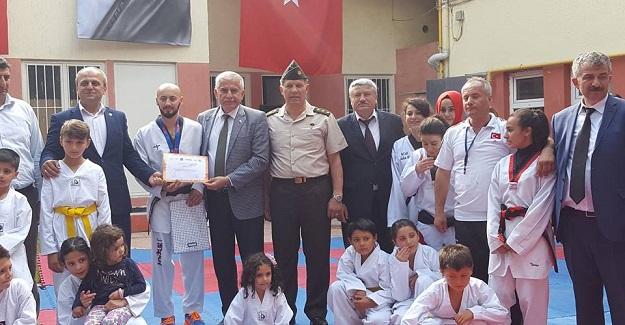 Tosyalı Taekwondoculardan Müthiş Gösteri!