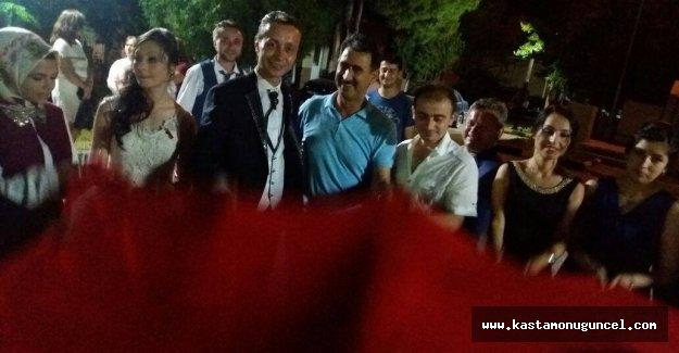 Düğünleri sonunda demokrasi nöbetine devam ettiler