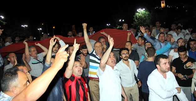 Kastamonu'da binlerce vatandaş sokağa döküldü