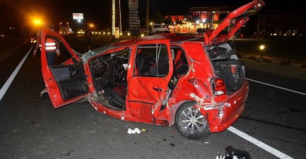 Otobüs ile otomobil çarpıştı: 1 ölü 1 ağır yaralı