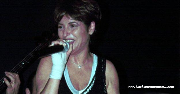 Ünlü sanatçı Naşide Göktürk hayatını kaybetti