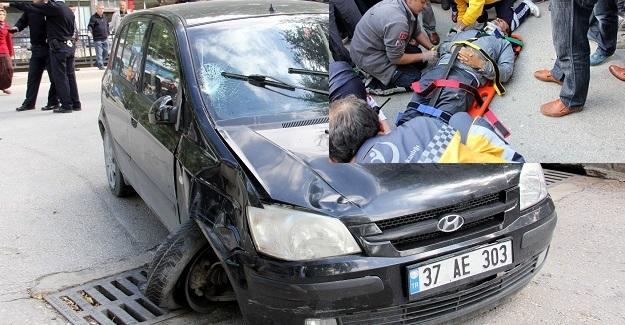 Karşıya geçmek isteyen öğretmene otomobil çarptı