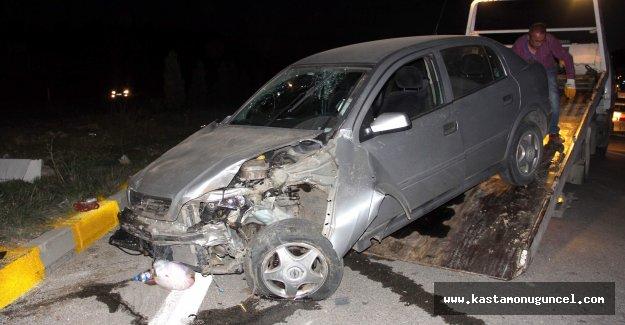 Kastamonu'da kavşakta iki otomobil çarpıştı: 5 yaralı