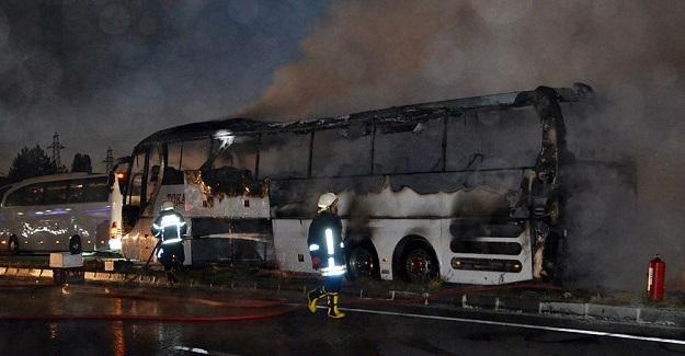 Kastamonu'da seyir halindeki yolcu otobüsü yandı