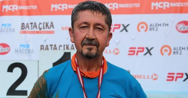 Rıdvan Şükür, Çamurda Bata Çıka Koştu