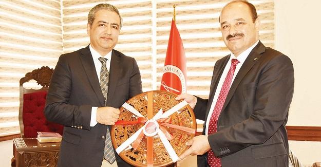 Somali Büyükelçisi Bekar, Rektör Aydın'ı ziyaret etti