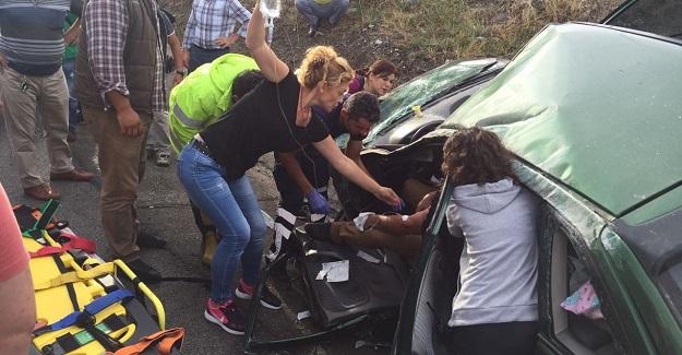 Takla atan otomobilde can pazarı: 5 yaralı