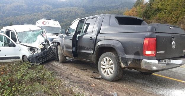 Kastamonu'da iki araç çarpıştı: 1 ölü, 2 yaralı