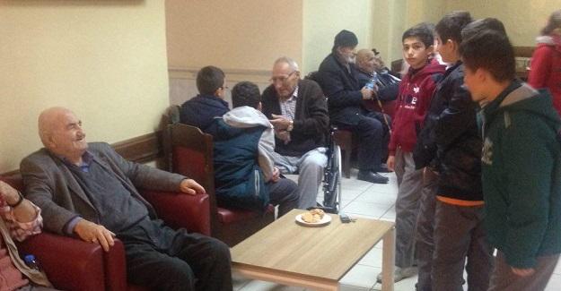 Şehit Mehmet Yılmaz İmam Hatip Ortaokulundan anlamlı ziyaret