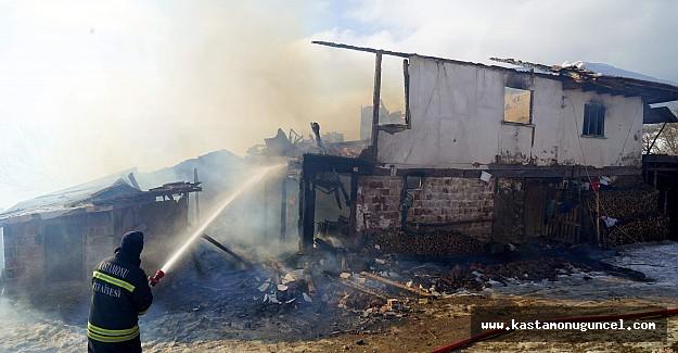 7 kişilik aile, kış günü yangında evsiz kaldı