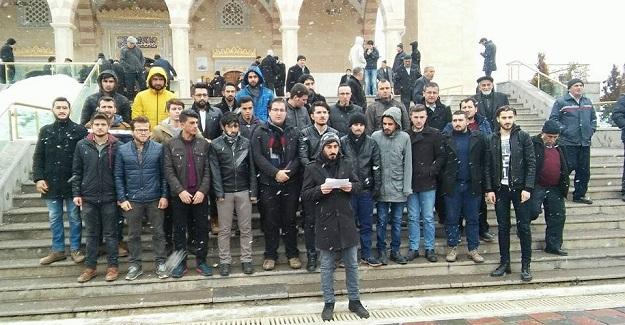ÜNİAK'lı gençler Halep saldırılarını protesto etti