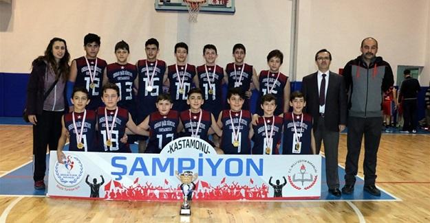 Yıldız erkekler basketbolda şampiyon FSM