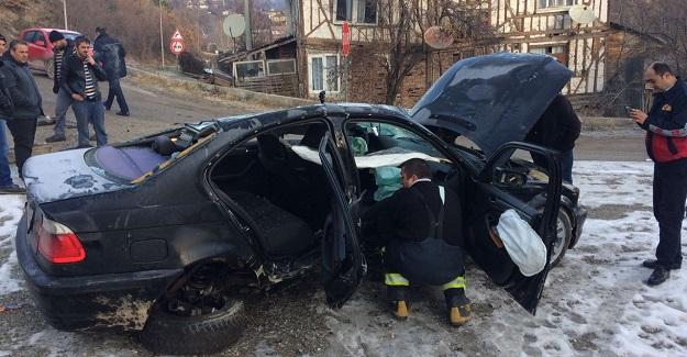 Yoldan çıkan otomobil, tarlaya uçtu: 2 yaralı