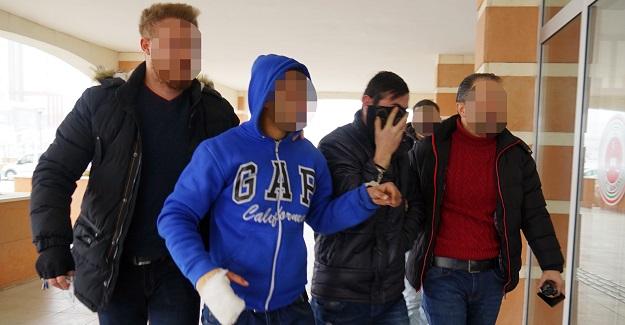 5 iş yerini soyan hırsızlar yakalandı