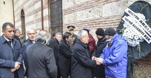 İstanbul'daki saldırıda ölen Kaya, toprağa verildi
