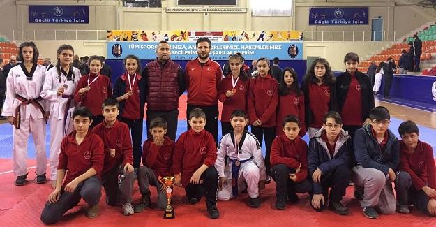 Taekwondocularımız yarıfinalde!