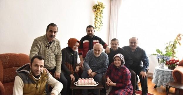 Duayen gazeteci Ünsal'ı, meslektaşları ziyaret etti
