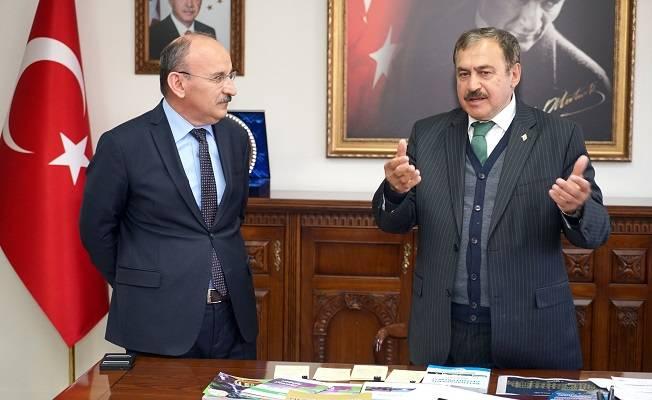 """Bakan Eroğlu: """"Obrucak Barajı bitmezse müteahhidi kovuyoruz"""""""