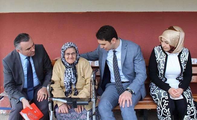 Kaymakam Acar'dan yaşlılara ziyaret