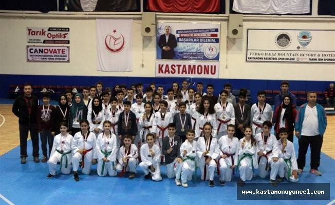 Taekwondoda İl Birinciliği yapıldı