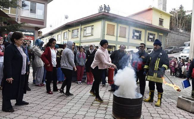 Tosya'da öğrenci yurdunda yangın tatbikatı