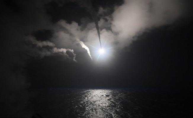 ABD, Suriye'yi füzelerle vurdu