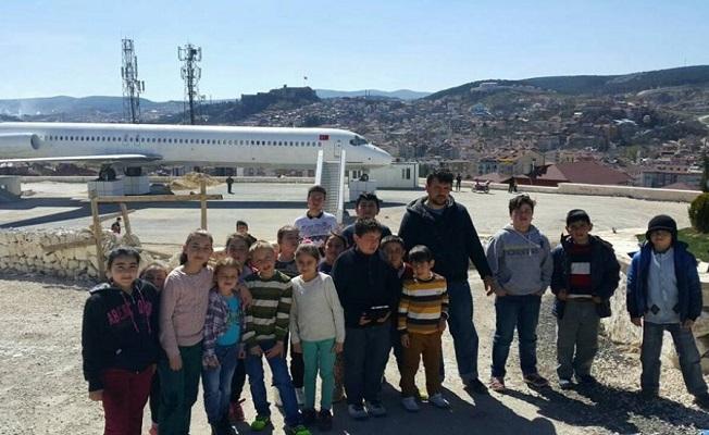 Başkan Demir'den Kuran Kursu öğrencilerine gezi jesti