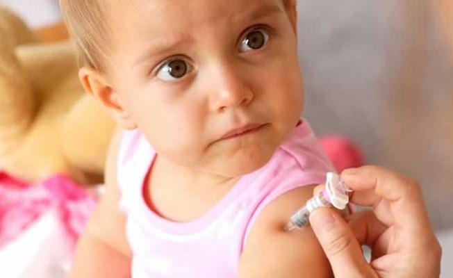 Dünyada 2 milyon 500 bin çocuk, aşı yüzünden ölüyor