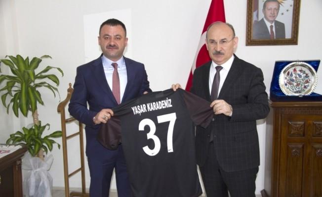 Metehan Babaş, Vali Karadeniz'i ziyaret etti