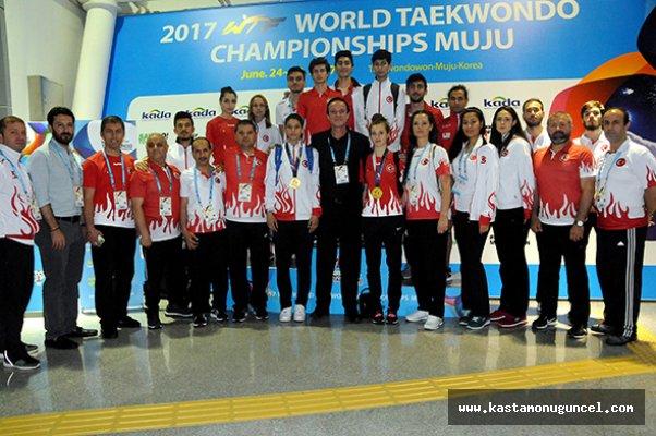 Türkiye, Taekwondo'da Dünya İkincisi!