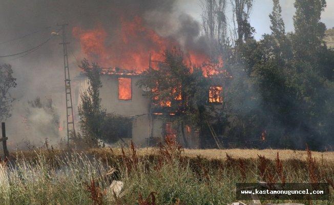 Çankırı'da 10'dan fazla ev kül oldu