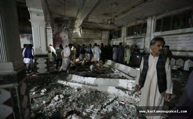 Afganistan'da camiye bombalı saldırı: 20 ölü
