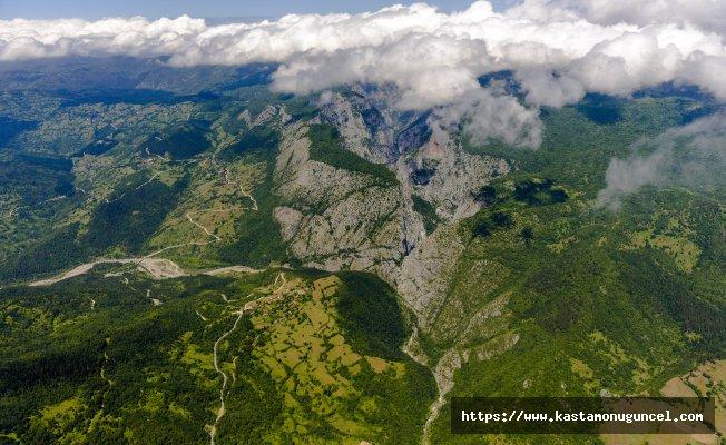 Valla Kanyonu maceraperest doğaseverleri bekliyor