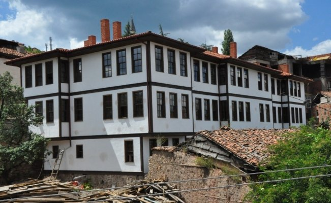 Kastamonu Belediyesi, tescilli binaların restorasyonu için harekete geçti