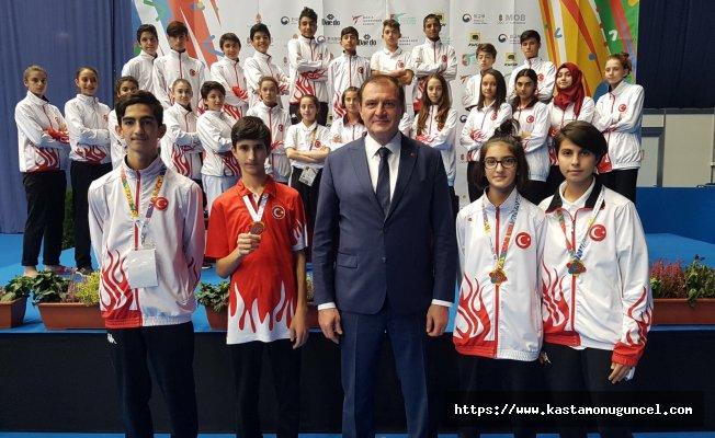 Milli taekwondocular Macaristan'dan 4 madalya ile döndü