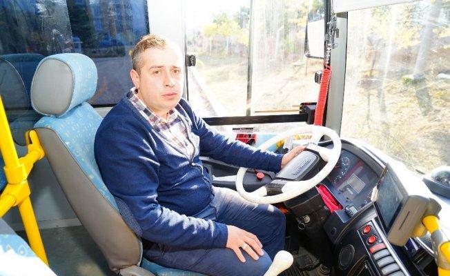Otobüste fenalaşan kadını hastaneye yetiştiren şoför konuştu!
