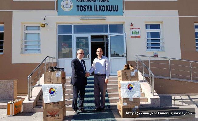 Tosya'da öğrencilere yardım