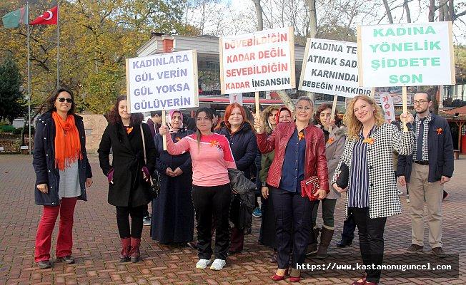 """Bozkurt'ta """"Kadına Karşı Şiddete Hayır"""" yürüyüşü"""