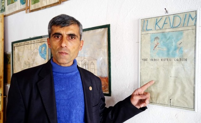 Köy okulunda çıkartılan el yazması ilk gazete bulundu