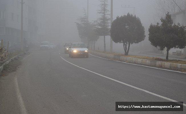 Tosya'da yoğun sis etkili oluyor