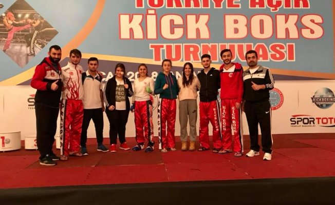 Kick Boks'ta yılın ilk başarısı: 8 madalya