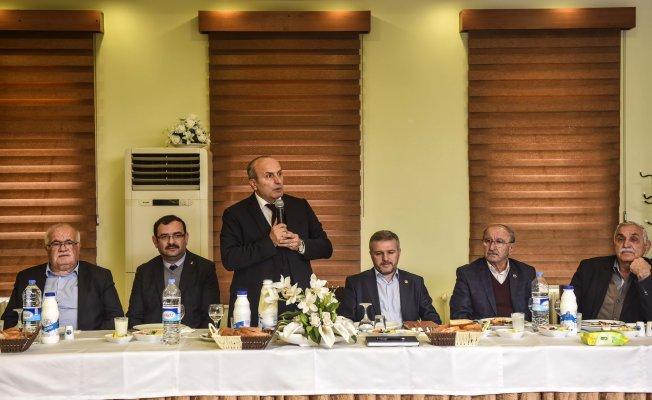 Milletvekili Çelik ve Başkan Arslan, muhtarlarla bir araya geldi