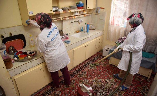 """Taşköprü'de """"Evde Temizlik ve Bakım"""" hizmeti devam ediyor"""