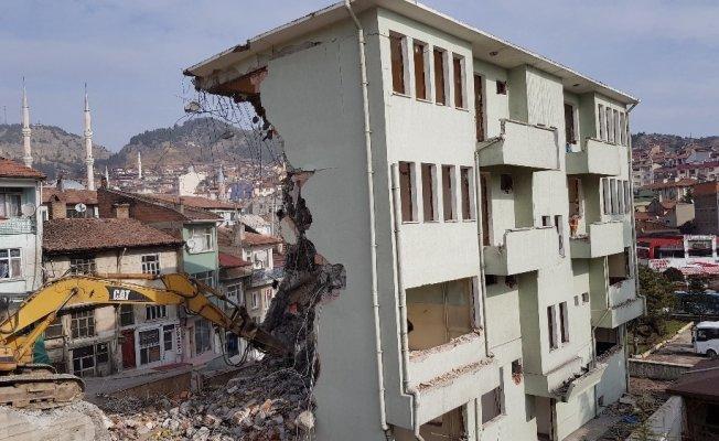 Tosya İlçe Emniyet Müdürlüğü hizmet binası yıkıldı