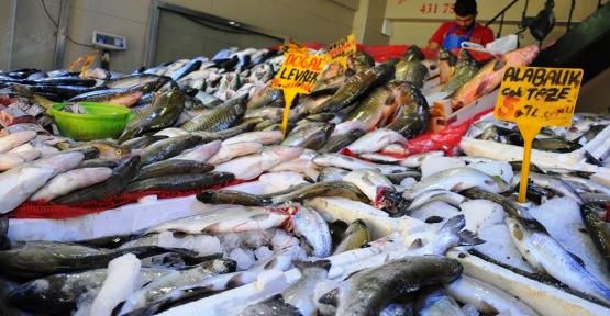 """""""Ramazan'da hazımsızlığı ortadan kaldırmak için balık yenmeli"""""""