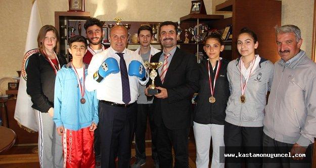 Şampiyon Kick Boksculardan Arslan'ı Ziyaret